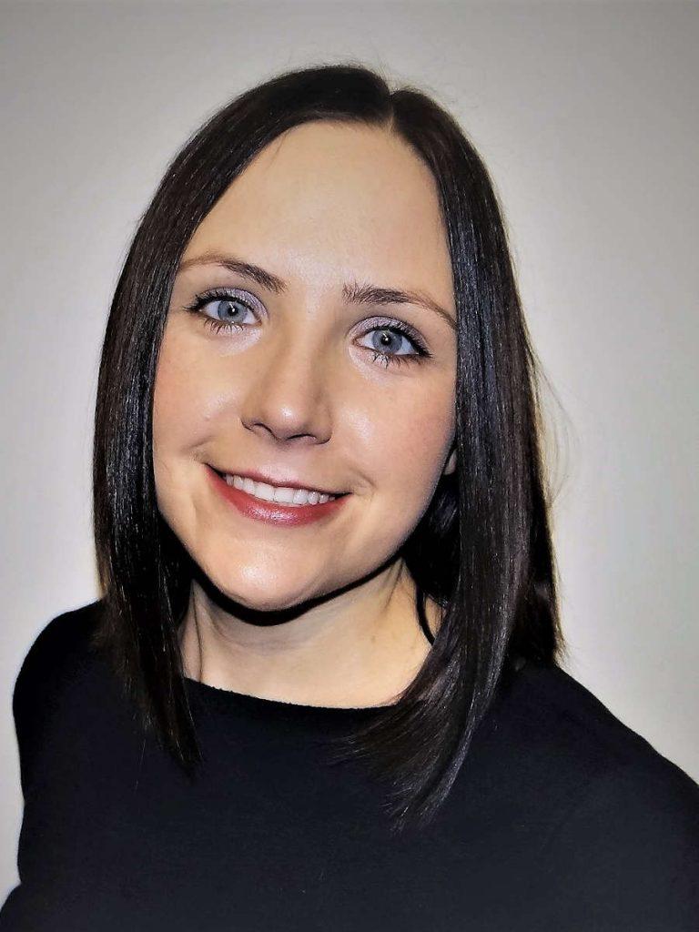 Dr. Laura Vencė